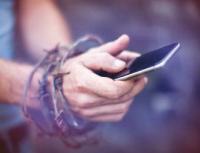 Jak nás ovlivňuje závislost na mobilu a sociálních sítích