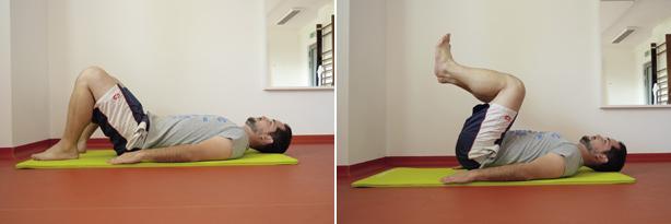 Přitahování nohou vleže na zádech